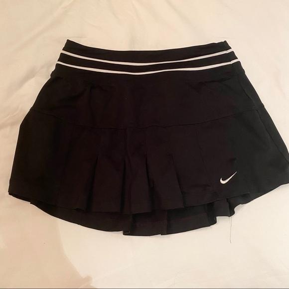 Nike dri fit black pleated tennis skirt small
